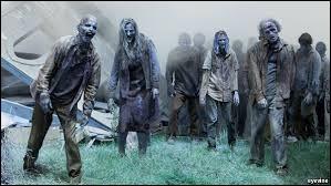 Un zombie est un mort-vivant qui se déplace toujours en marchant lentement.