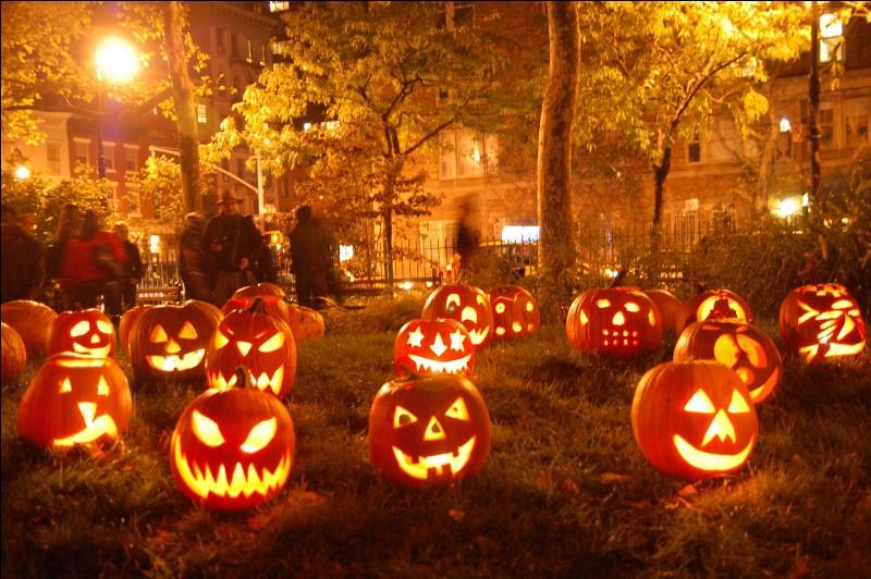 La fête d'Halloween est introduite aux États-Unis et au Canada après l'arrivée massive d'émigrants irlandais et écossais notamment à la suite de la Grande famine en Irlande (1845-1851). Vrai ou faux ?