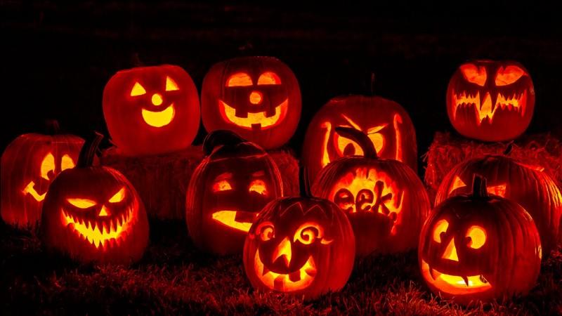 Comment s'appelle la citrouille creusée qui est probablement le personnage le plus populaire associé à Halloween ?
