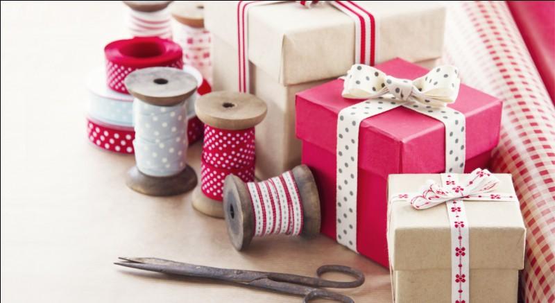On offre des cadeaux à nos proches principalement lors de cette fête.