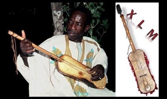 """X - Cette guitare traditionnelle du Sénégal est un """"xalam""""."""