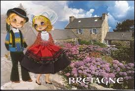 Combien de départements compte la région Bretagne ?