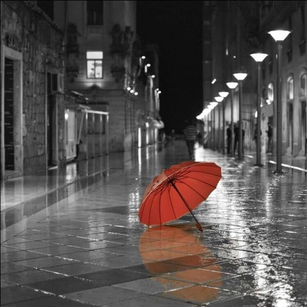 """Dans le poème de Prévert, il lui disait """"Rappelle-toi Barbara..."""" Où pleuvait-il sans cesse ce jour-là ?"""