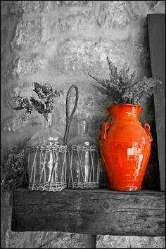 Suite à votre passage dans les Alpes-Martimes, vous avez rapporté un petit souvenir pour Mamie. C'est une poterie en céramique, où l'avez-vous trouvée ?