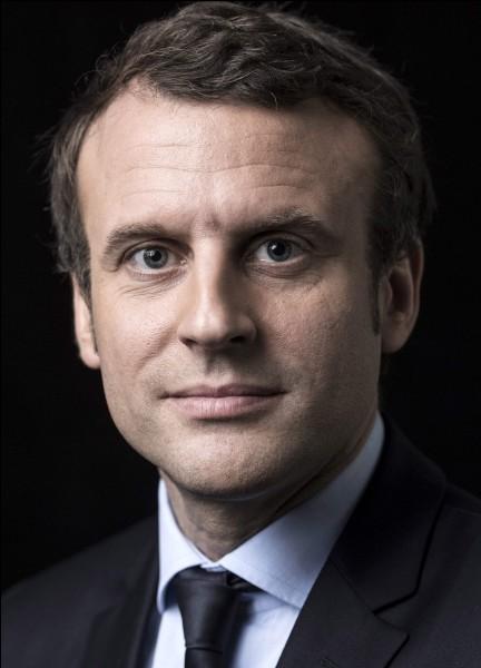 Premier président né sous la cinquième République, il est également le plus jeune à avoir pris le pouvoir (39 ans). Qui est-ce ?