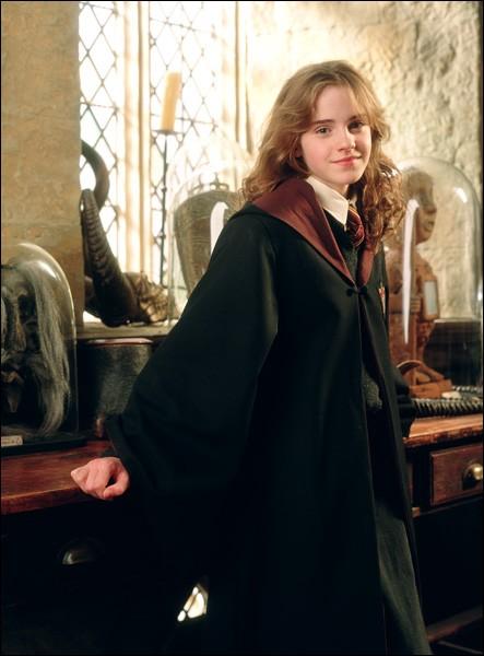 Hermione a pris plusieurs options, ce qui fait qu'elle a plusieurs cours en même temps. Comment arrive-t-elle à assister à tous ses cours ?