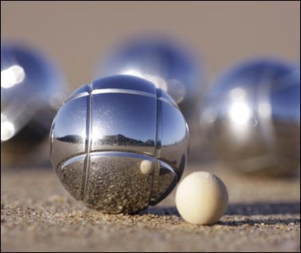 """Où a été inventé le jeu de boules nommé """"pétanque"""" ?"""