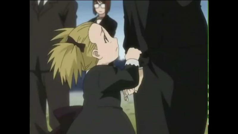 Restons avec le même manga. Cette pauvre petite fille assiste à l'enterrement de son père et demande à sa maman pourquoi son papa est enterré. Cette scène a bouleversé toute personne possédant un cœur. Qui est son papa ?