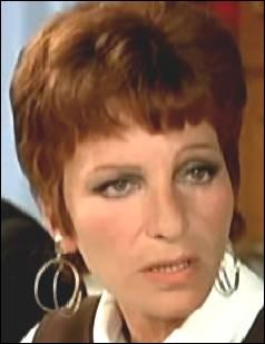 Elle jouait au cinéma comme au théâtre, elle campait souvent des femmes drôles et exubérantes, parfois aussi des femmes de responsabilités... Je suis ?
