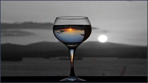 Si vous souhaitez boire un verre de vin rouge, quel vin ne vous servira-t-on jamais ?