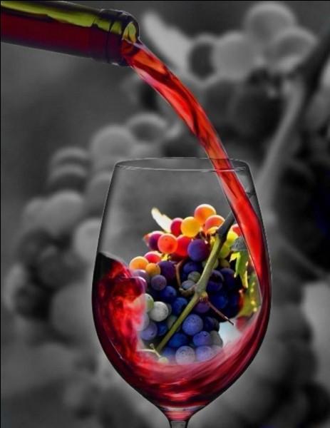 Dans la mythologie grecque, qui était le dieu du vin ?