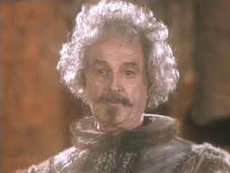 Sir Nicolas est le premier à se faire pétrifier.