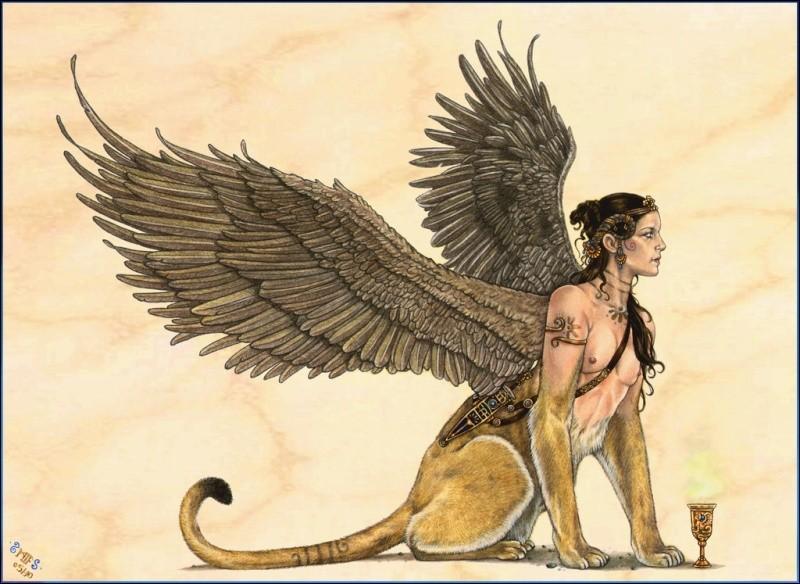 Quelle créature de la mythologie grecque possède une tête de femme et des ailes d'oiseau sur le corps d'un lion ?