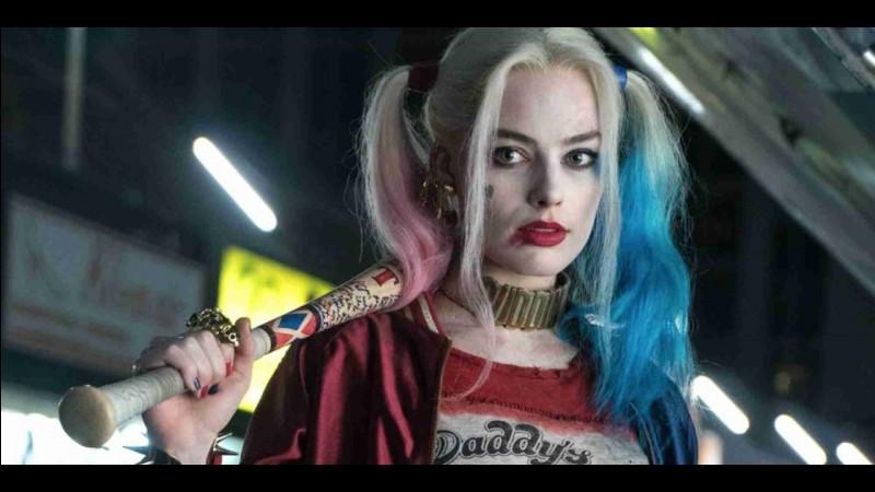 """Dans """"Suicid Squad"""" ses cheveux sont de couleurs :"""