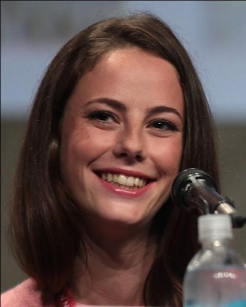 """Elle est connue pour avoir joué le rôle de """"Effy"""" dans Skins :"""