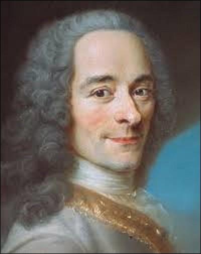 Écrivain et philosophe qui a marqué le XVIIIe siècle, né en 1694 à Paris, François-Marie Arouet, dit Voltaire, est le représentant le plus connu de la philosophie des Lumières, et sera à son époque le chef de file du parti philosophique. Quel peintre portraitiste et pastelliste l'a représenté dans cette toile peinte vers 1751, que l'on peut admirer au château de Fernay-Voltaire, dans l'Ain ?