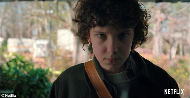 À la fin de la saison 2, qui adopte Eleven ?