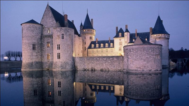 Quel ancien président a racheté un château dans l'Aveyron ?