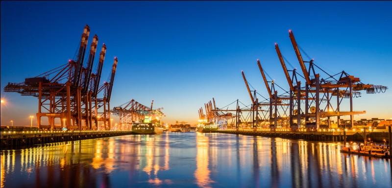 Lequel de ces ports de France a-t-il eu une place importante dans le commerce triangulaire ?
