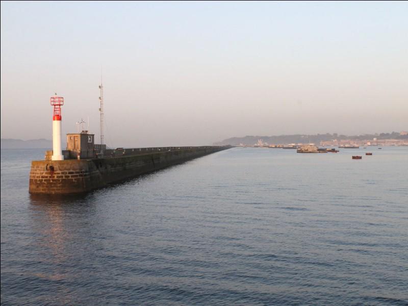 Quelle est la superficie du Finistère ?
