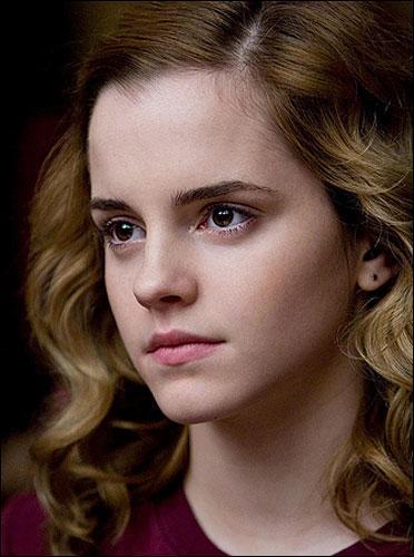 De qui Hermione est-elle secrètement amoureuse ?