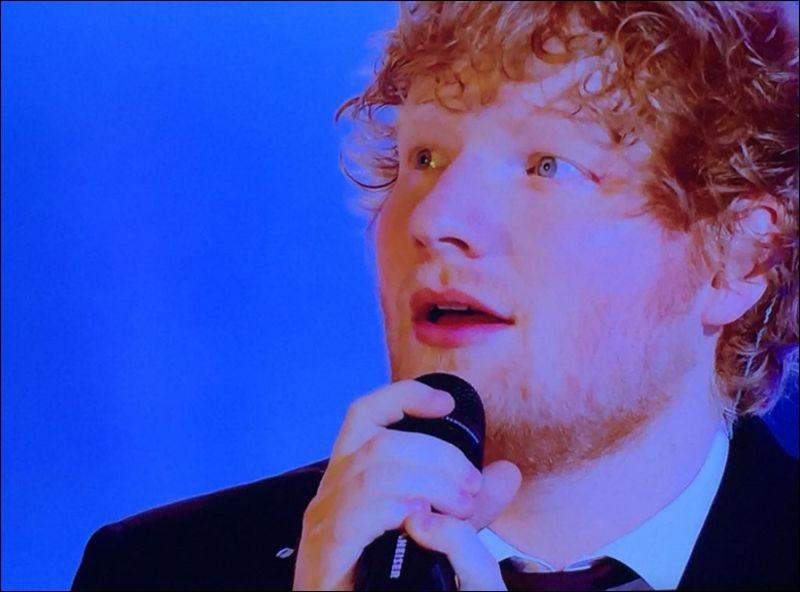 Ed Sheeran remporte le plus d'Awards au cours de cette cérémonie. Quel est son nombre de récompenses ?