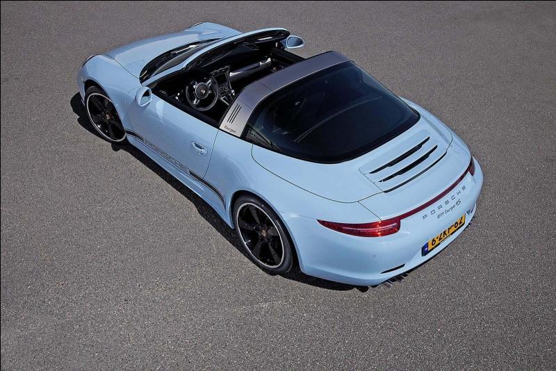 Cette Porsche 911 de 2015 est une...