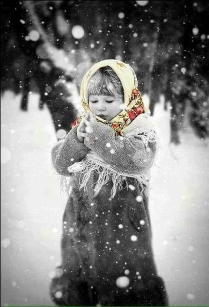 Mais quelle petite fille de la littérature reste seule dans le froid le soir de Noël ?
