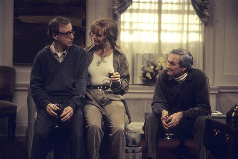 Dans le charmant film Tout le monde dit I love you, Woody Allen tient à nouveau l'un des rôles principaux. Son personnage partage sa vie entre New-York et Paris, et son métier est... ?
