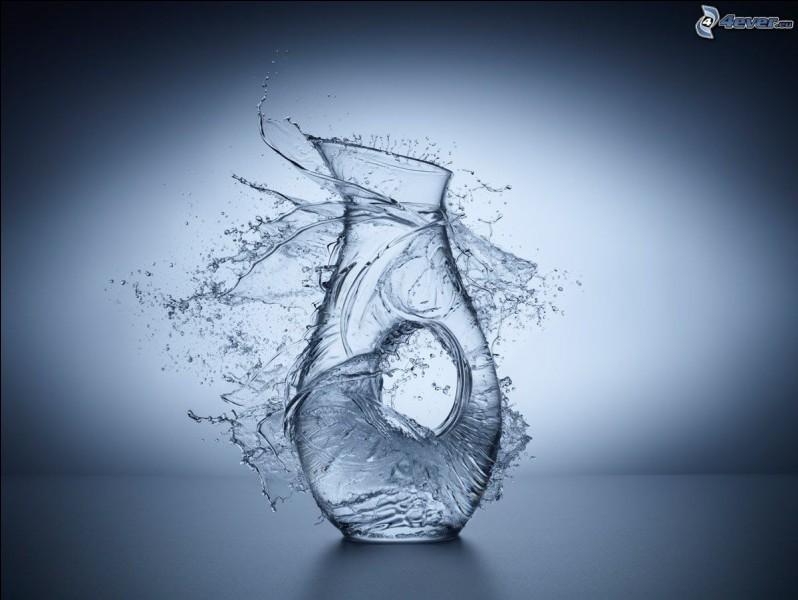 C'est la goutte d'eau qui fait ____ le vase.