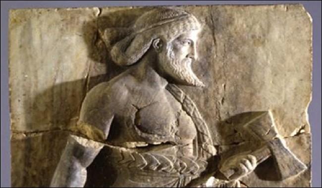 V comme Vulcain. A quel dieu grec correspond le Vulcain romain ?