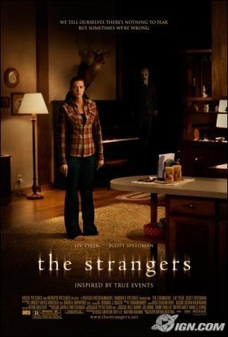 Par qui est harcelé le couple de The Strangers?