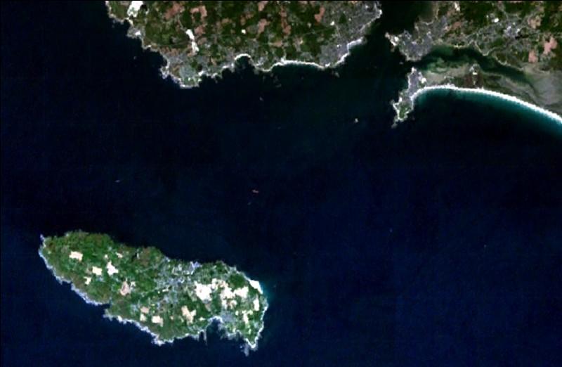 Je baigne l'île de Croix :