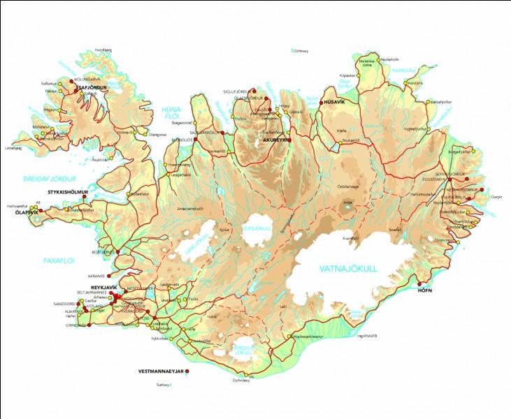 Au nord de l'Islande il y a...