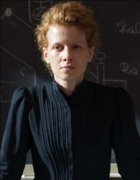 En 1898, avec le polonium, qu'ont découvert Marie et Pierre Curie ?