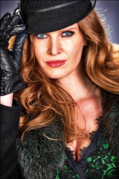 Quelle actrice incarne le rôle de la Méchante Reine de l'Ouest ?