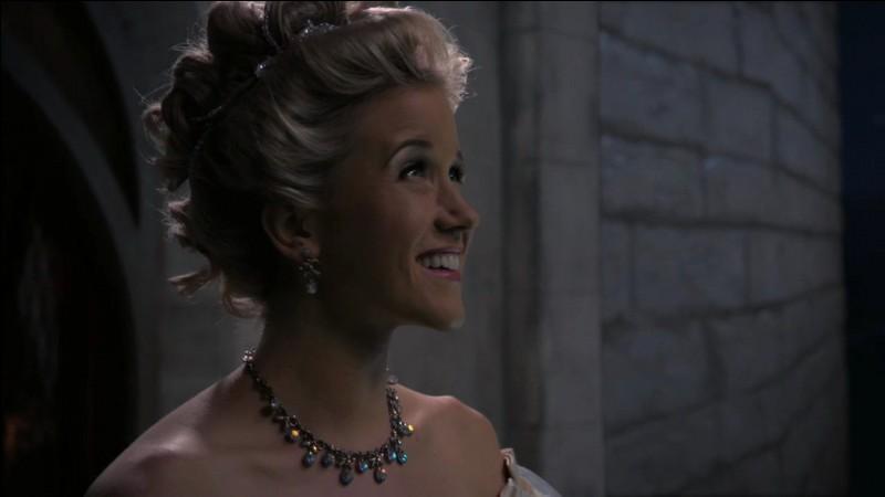 Quelle actrice incarne le rôle de Cendrillon ?