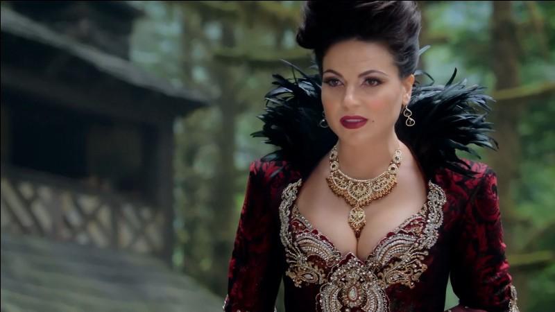 Quelle actrice incarne le rôle de la Méchante Reine ?