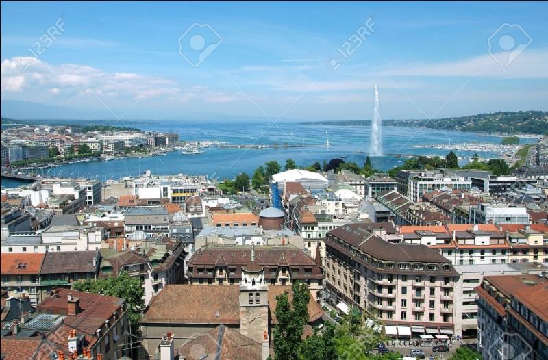 Quelle est cette ville au bord du lac Léman ?