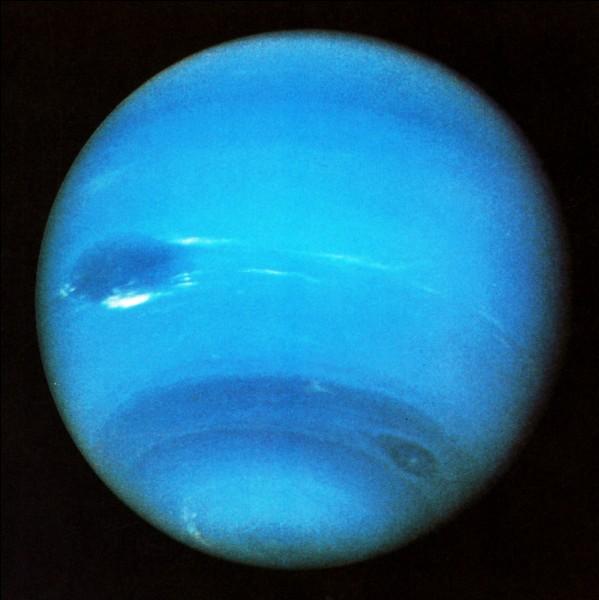Que pleut-il sur Neptune qui donne envie d'y aller ?