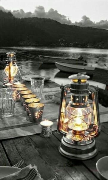 Une autre fête a eu lieu en décembre, c'est la fête des lumières ! Dans quelle ville ?