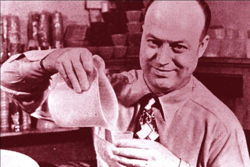 En quelle année, le premier Tupperware inventé par l'ingénieur Earl Tupper, a-t-il été commercialisé ?