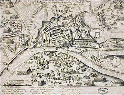 Ce siège oppose, d'août à novembre 1621, les armées royales commandées par le roi de France Louis XIII aux protestants, dans le contexte des révoltes huguenotes. Finalement, Louis XIII se voit contraint de lever le siège le 9 novembre 1621. Quelle est cette ville ?