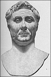 Jérusalem a été plusieurs fois assiégée; en 63 avant J-C, elle est prise par les Romains. Quel général et homme politique romain, réorganisant le Proche-Orient, s'empare alors de la ville ?