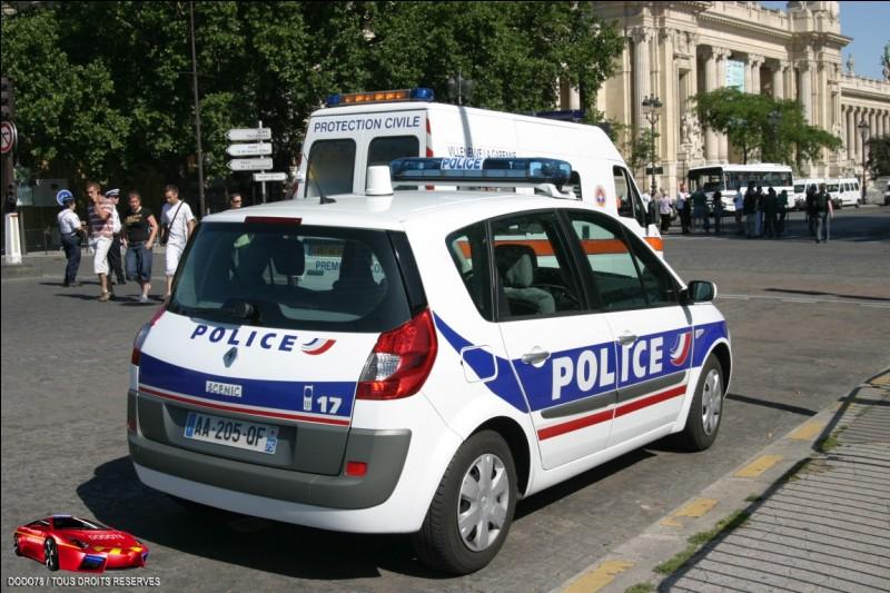 La police et la gendarmerie sont des ...