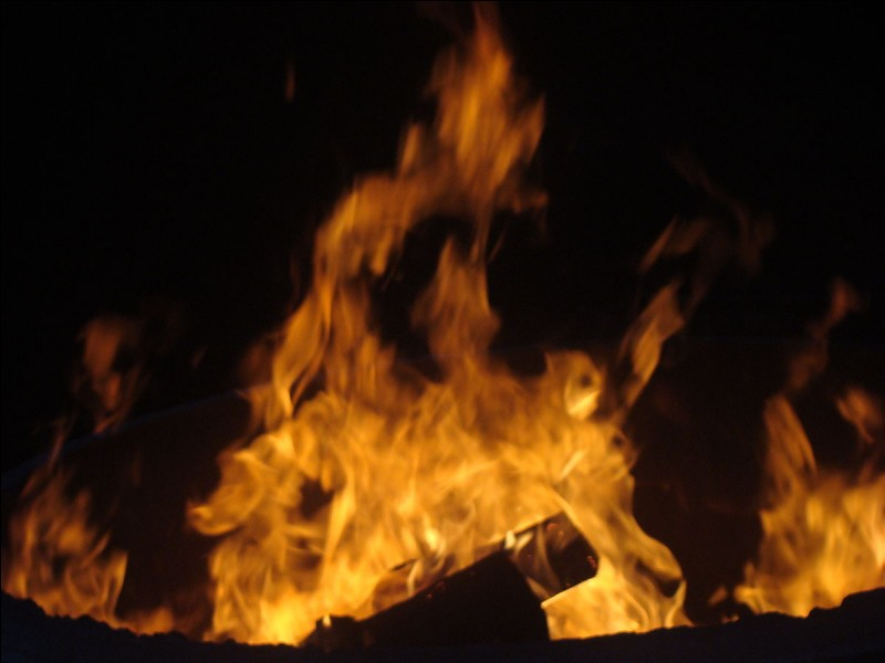 Que fais-tu en cas de feu dans ta maison ?