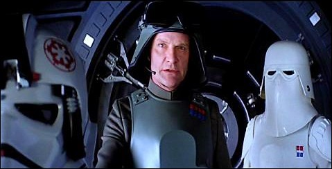 Comment s'appelle le commandant des troupes terrestres de l'Empire lancées contre les rebelles lors de la bataille de Hoth ?
