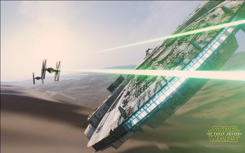 Le Faucon Millenium est un vaisseau mythique de la saga Star Wars. Mais de quel type de vaisseau s'agit-il ?