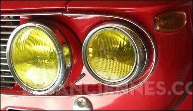 Et ces phares jaunes sur quelle auto sont-ils ?