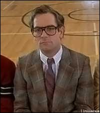 Qui joue le rôle du juge qui évaluait Marty ?